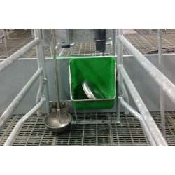 Comedero PVC con refuerzos inox